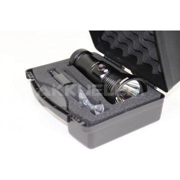 Xtar D28 3600 lumenes búvárlámpa szett MC4S 4x18650 3500mAh akkumulátorral