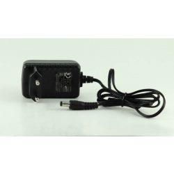 12V/1A hálózati adapter 110-240V